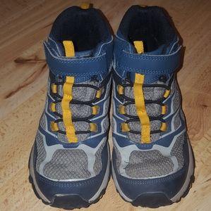 Merrell boys shoes size 1.5M